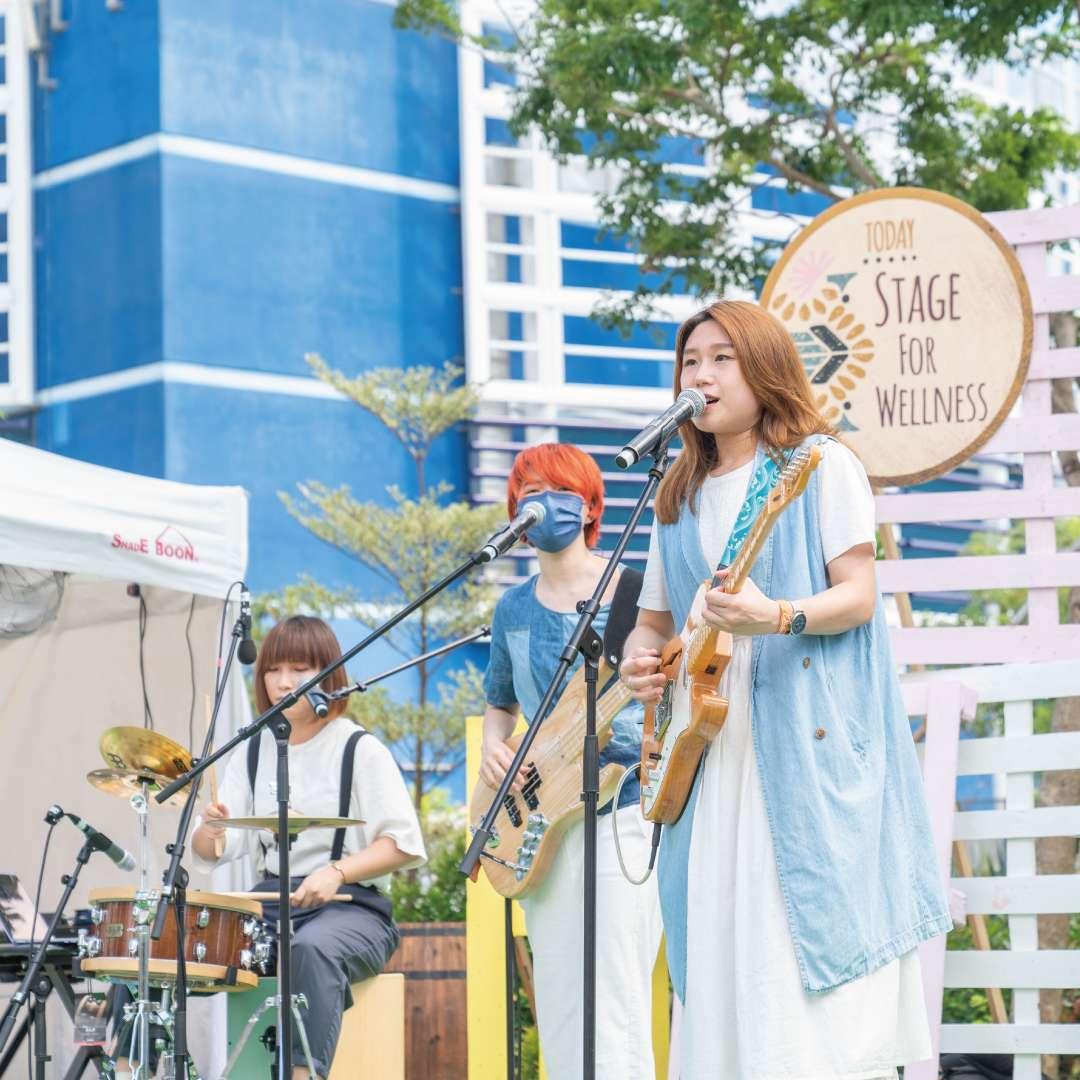 Band-01